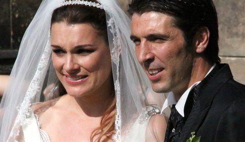 Buffon e la Seredova nel giorno del matrimonio