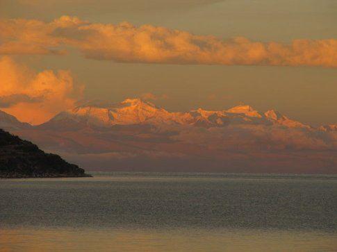Tramonto nel Lago Titicaca - Photo www.viaggiare-low-cost,it