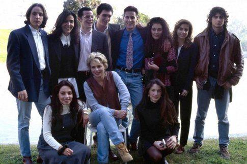 Maria de Filippi e il cast di Amici (anni '90)
