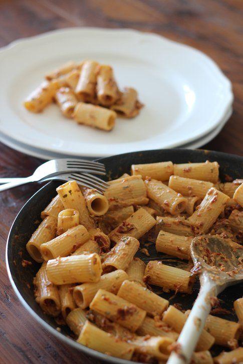 ricetta della pasta al pesto rosso ai pomodori secchi