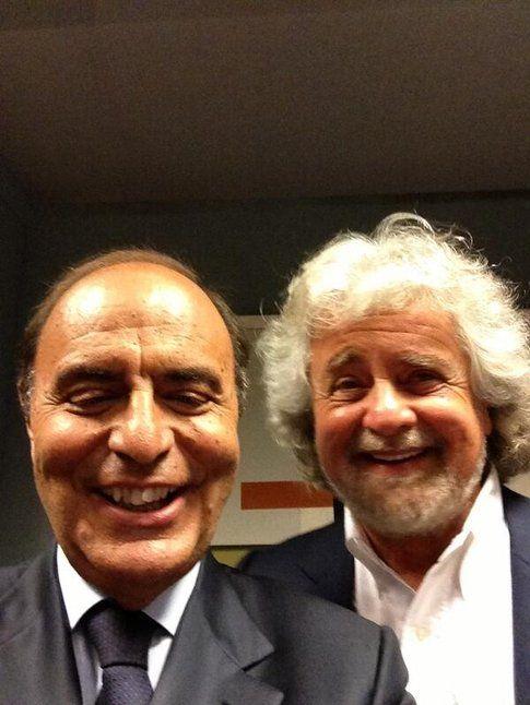 Selfie di Bruno Vespa e Beppe Grillo