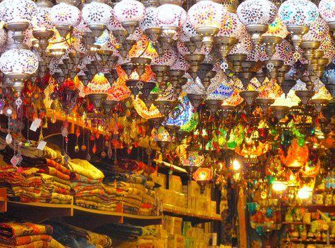 Lanterne al Gran Bazaar - foto di Elisa Chisana Hoshi