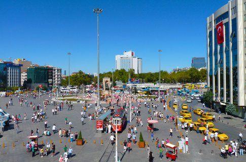 Taksim Square - foto di Elisa Chisana Hoshi