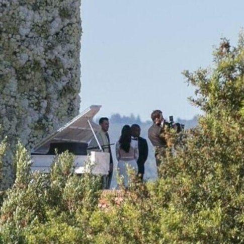 Kim Kardashian e Kanye West - foto Splashnews