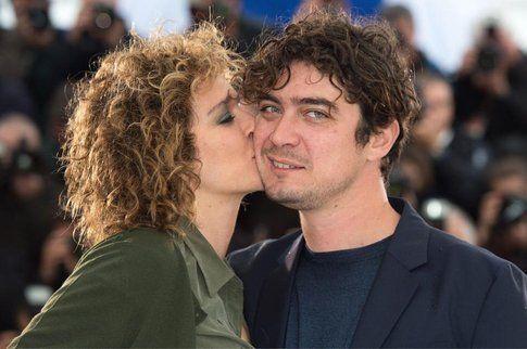 Bacio tra Golino e Scamarcio