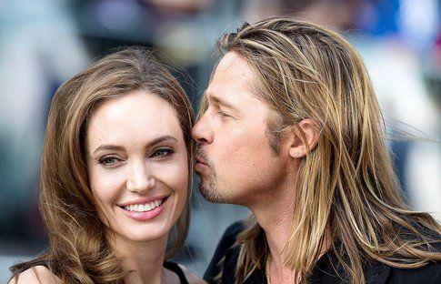 Bacio tra Angelina Jolie e Brad Pitt