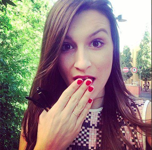 La foto di Carlotta pubblicata su Instagram con lo smalto fresco! fonte: @styleandtrouble
