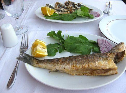 La frittura di pesce a Büyükada - foto di Elisa Chisana Hoshi