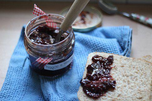 marmellata di fragole e vaniglia: una romantica colazione