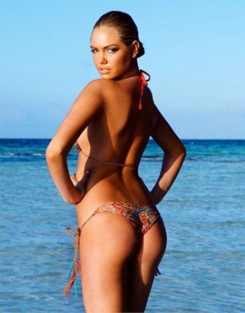 Slip brasiliana su Kate Upton - Beach Bunny