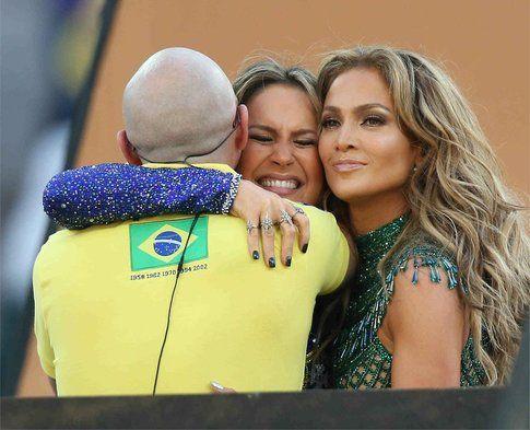 Claudia Leitte, Pitbull e Jennifer Lopez