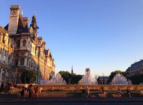 Hotel de Ville, ore nove - foto di Elisa Chisana Hoshi