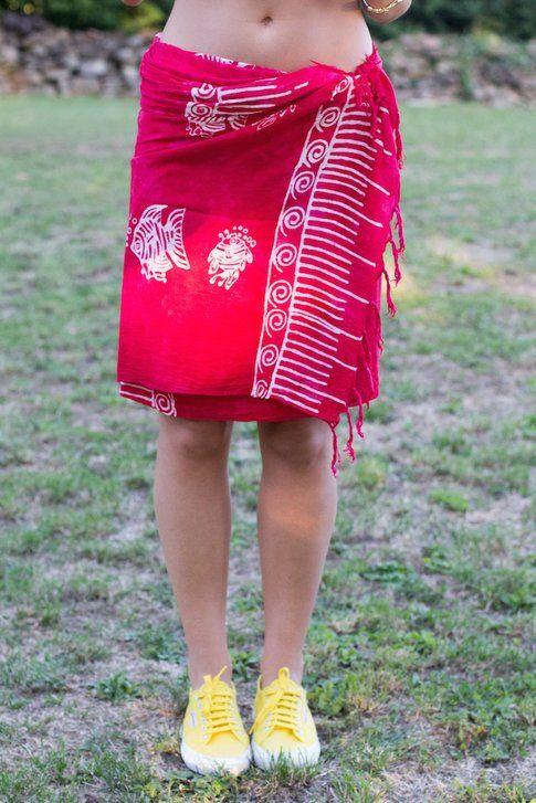 Le Varianti più semplici con cui indossare il pareo  - In Foto Carlotta del blog www.styleandtrouble.com