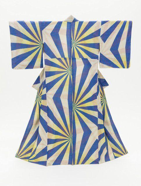 Kimono da donna con motivo geometrico. 1940 Photo ©2014 Museum Associates/LACMA