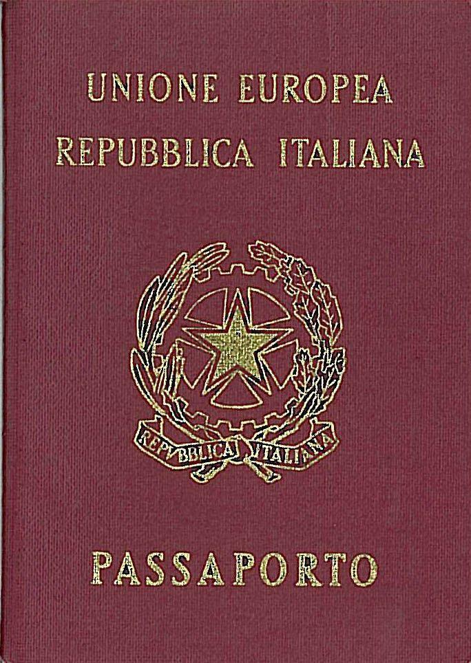 Tutte le novità sul passaporto: addio alla tassa annuale