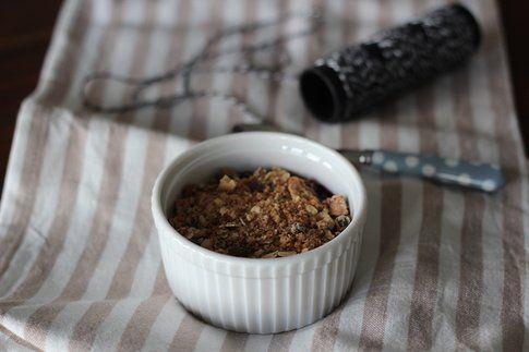 la ricetta del crumble di mirtilli ai cereali