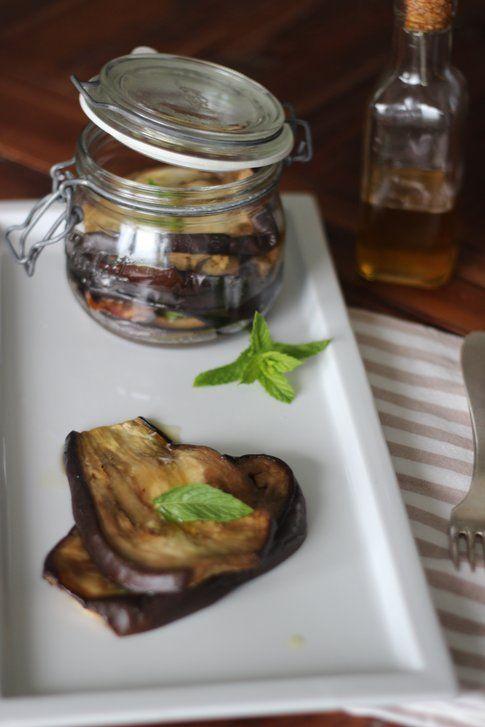 La ricetta delle melanzane sott'olio con la menta