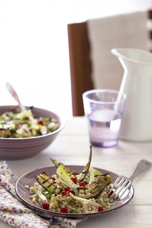 Insalata di cereali con verdure. Ricetta e foto del blog 'Oggi pane e salame, domani...'.