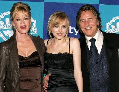 Dakota Johnson con Melanie Griffith e Don Johnson