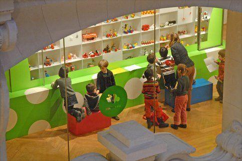 Museo delle arti decorative: i giocattoli - by Jean-Pierre Dalbéra via Flickr