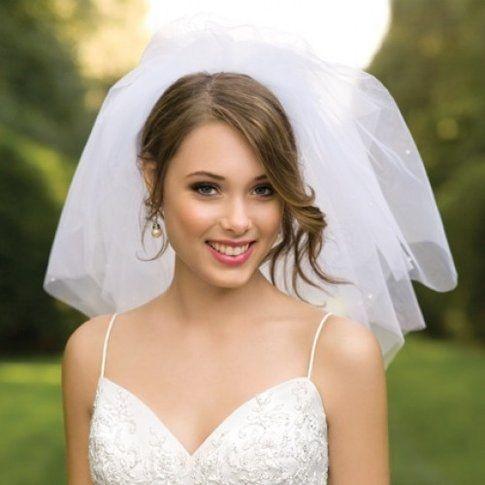 Matrimonio  come e quando scegliere l acconciatura e il make-up per ... 1435e4ce8558