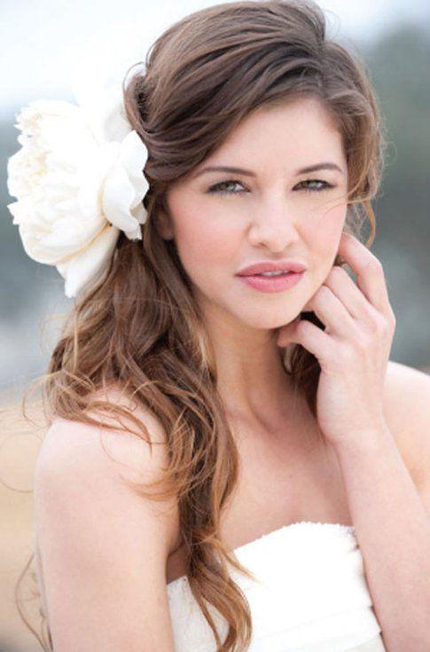 Acconciatura sposa: capelli sciolti e ondulati