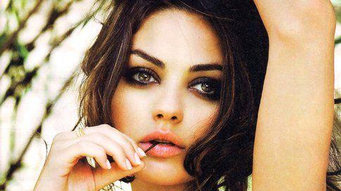 Mila Kunis sceglie sempre dei make-up che esaltino la forma tondeggiante dei suoi occhi