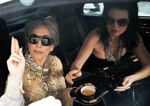 Lady Gaga e la sua assistente personale Jennifer O'Neill - foto Dailymail.co.uk