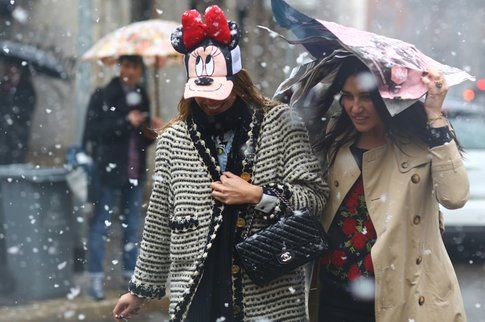 Carlotta Oddi con Minnie Mouse Hat - fonte: streetpaper.com