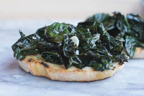 Bruschetta con cavolo nero - Foto: food52.com