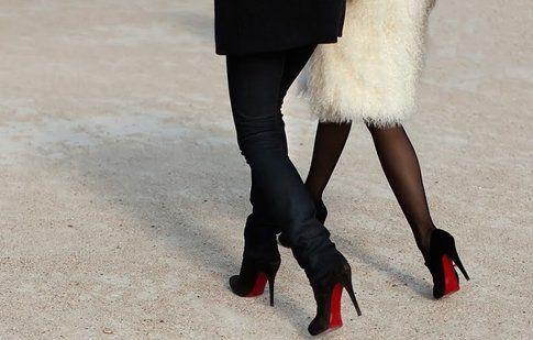 Dettaglio rosso unico e inconfondibile per le scarpe Louboutin