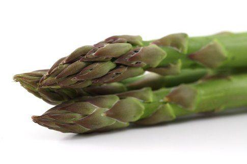 Asparagi: 35 calorie ogni 100 grammi