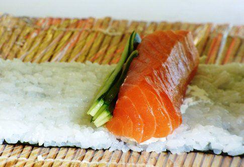 Salmone: 170 calorie ogni 100 grammi