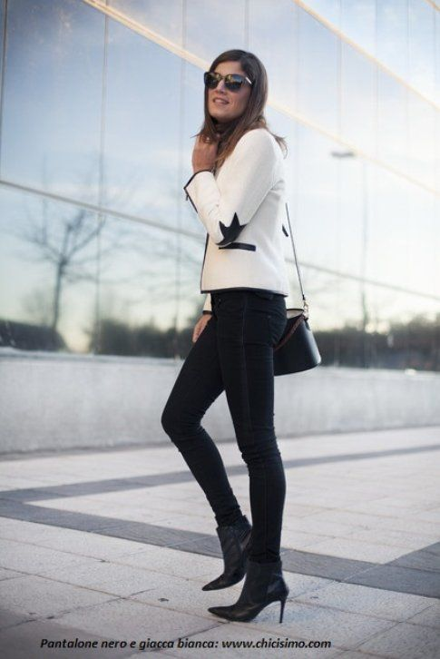 Pantaloni neri con giacca bianca