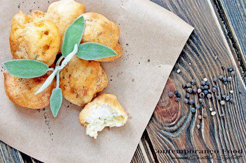 Bocconcini di pollo fritto con pastella al vino bianco e salvia fresca