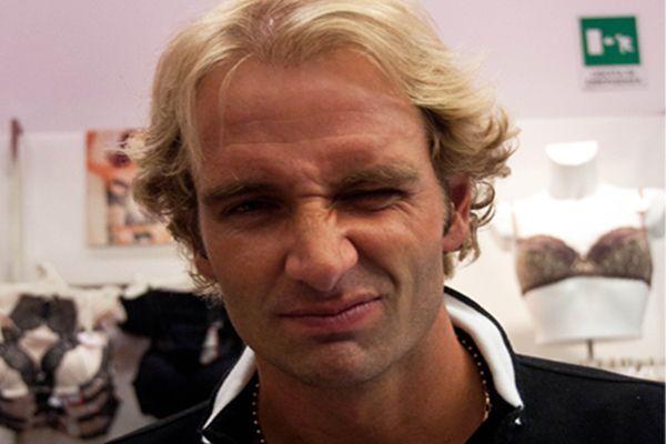 Massimiliano Rosolino in discoteca senza la moglie Natalia Titova