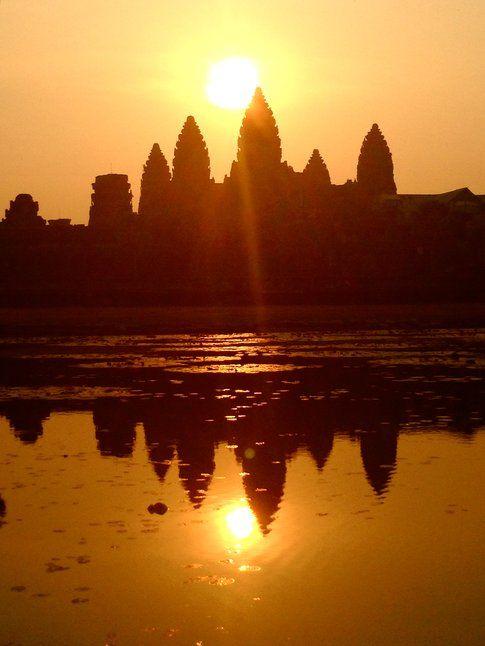 L'Angkor Wat all'alba