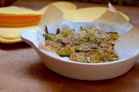 Gratin di cavoletti di Bruxelles e patate al profumo di finocchio. Ricetta e foto di Roberta Castrichella.