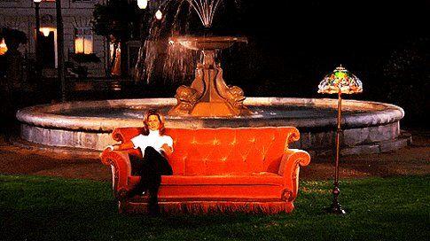 Il divano arancione