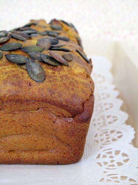 Cake alla zucca. Ricetta e foto dal blog 'Semplicemente pepe rosa'.