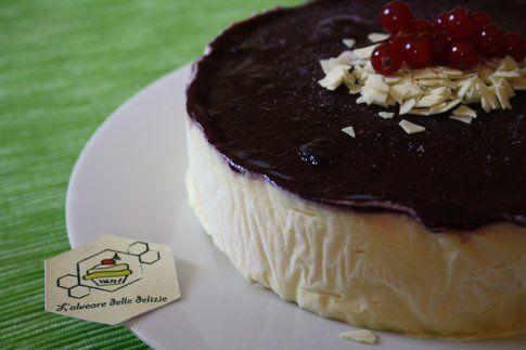 Bavarese al cioccolato bianco e coulis di more