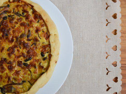 Torta salata con porri e funghi al profumo di timo. Ricetta e foto di Roberta Castrichella.