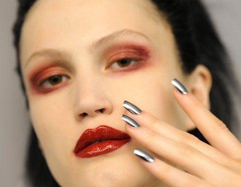 Manicure Cromata proposta in passerella da Jean Paul Gautier