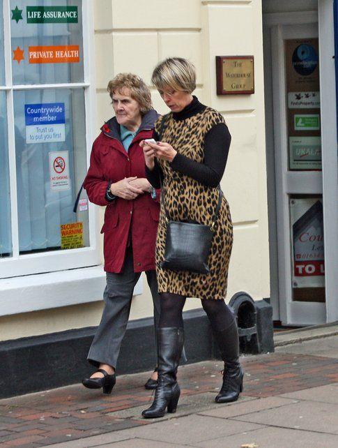 Non saper chattare non è sinonimo di non saper vestire... quasi sempre! (Gareth Williams on Flickr)