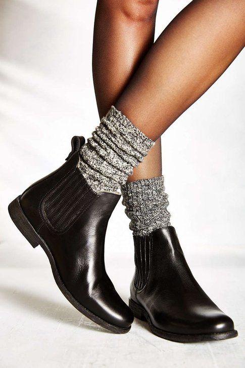 Chelsea Boots e Calze - fonte: fonte: urbanoutfitters.com