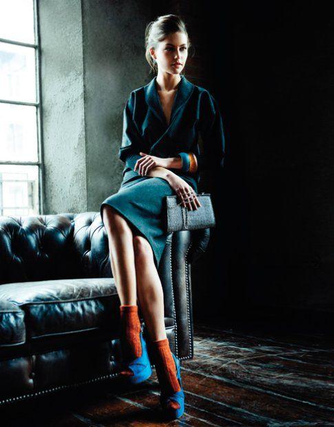 Un look elegante reso speciale dalle calze arancioni - sarahborghi.com