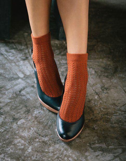 Decolletè e calze: bellissime da indossare, non facilissime da abbinare: scopri come fare!- sarahborghi.com