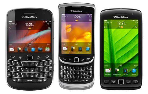Anche se non sono così frendly BlackBerry è sempre un'ottima soluzione per un telefono aziendale (FayToday on Flickr)