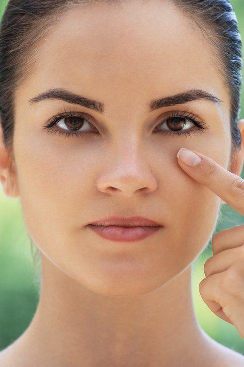 Buona abitudine: Usare un contorno occhi