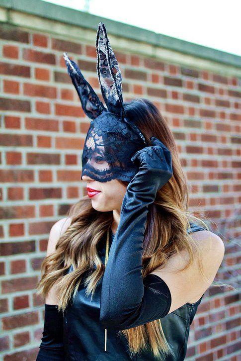 Joann Doan travestita da coniglietto per Halloween - fonte : .lovefashionlivelife.com/